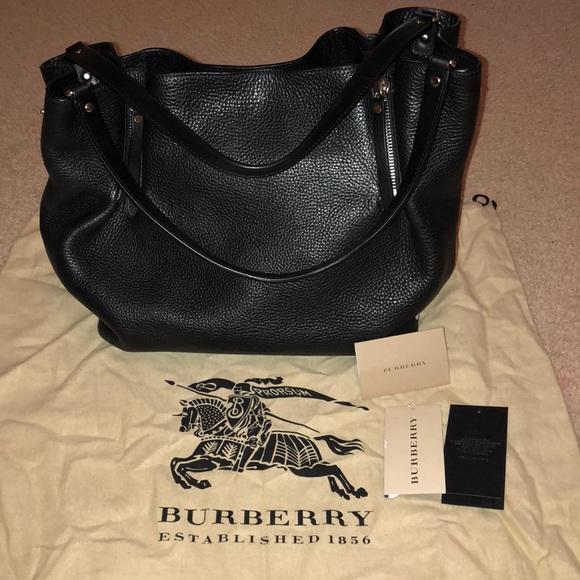 9d951bacbf67 Burberry Maidstone Medium Black Leather Tote